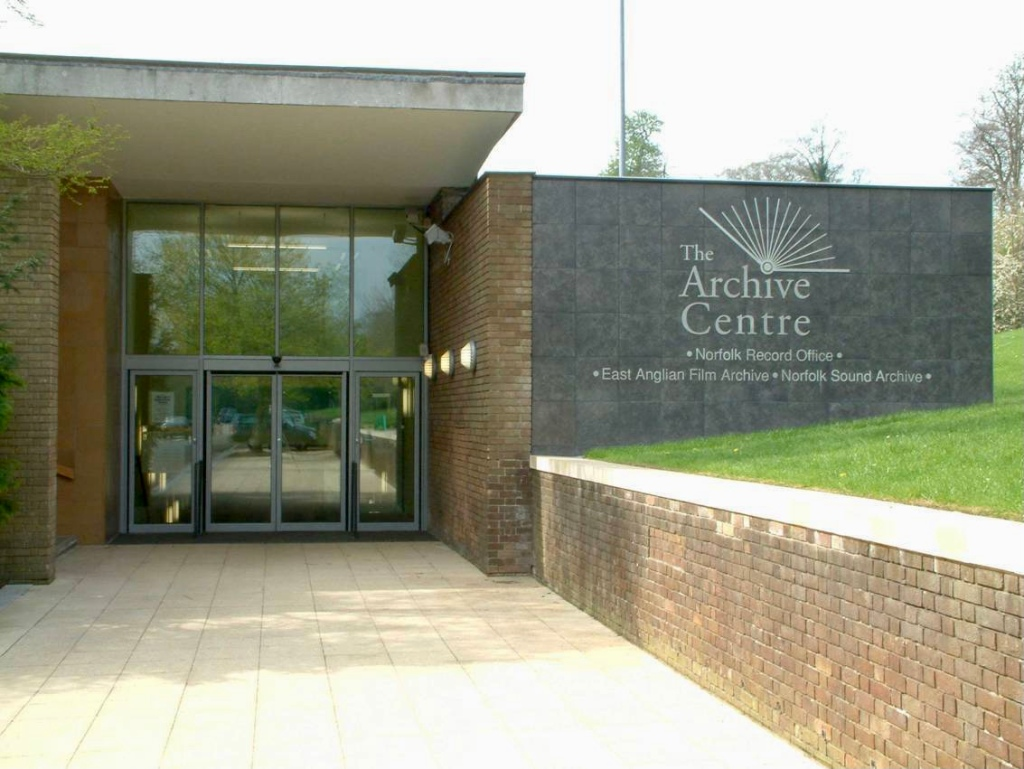 Picture of the entrance to the archive centre.